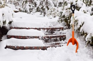 commercial snow shovelling