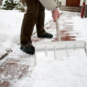 Keep Your Walk Shovelled to Deter Thieves and Avoid Fines