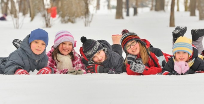 Fascinate Your Child With the Outdoors This Winter