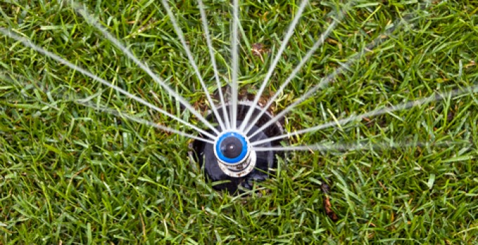 Calgary Lawn Maintenance: Benefits of an Underground Sprinkler System