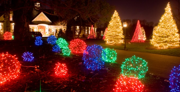 Dress Up Your Yard For the Holidays: Landscape Design Calgary