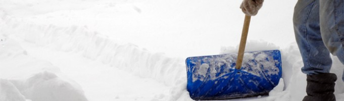 Snow Removal in Calgary: Stay Warm When Shovelling!
